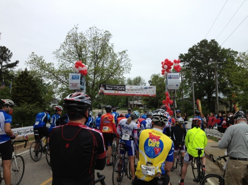 "All the teams and ""red riders"" ready to ride."