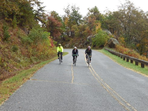 Nancy, Julie and Wes riding together as a trio.